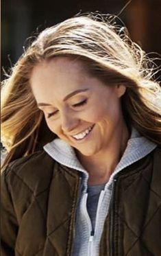 Heartland Ranch, Heartland Tv Show, Spencer Twin, Ty And Amy, Amber Marshall, Role Models, Actresses, Queen, Beautiful