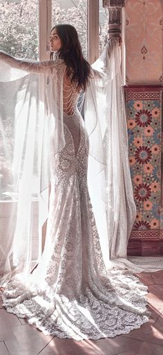 so many styles & silhouettes, a dream dress for every bride. We collected for you some sexy wedding dresses which are elegant alternatives for your big day! Western Wedding Dresses, Sexy Wedding Dresses, Bridal Dresses, Wedding Gowns, Victorian Wedding Dresses, Wedding Dress Cape, Winter Wedding Cape, Bridal Cape, Winter Dresses