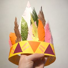 Atelier DIY coiffe indienne - Places Like Heaven Thanksgiving Crafts, Fall Crafts, Diy And Crafts, Arts And Crafts, Indian Birthday Parties, Indian Party, Craft Activities For Kids, Preschool Crafts, Crafts For Kids