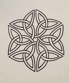 Celtic Knot Crown Design