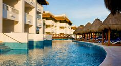 Grand Sunset Princess All Suite Resort - Riviera Maya Now showing photo 13, Deluxe Suite Pool Access