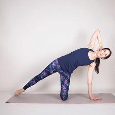 Kneeling Side Kick #pilates #workout #fitness https://greatist.com/move/mat-pilates-workout