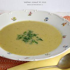 Dobrásytící polévkase hodí vkaždém ročním období, ikdyž vlétě asi spíš vchladnějších dnech. Je vhodná kobědu nebo isamostatně kvečeři.Cizrna je považována za nejkvalitnějšízluštěnin a co do chuti je nezaměnitelná.
