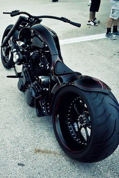 Harley Davidson V-road Big Wheel   looks like batmans bike hot