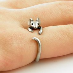Mickey Mouse Ring Perfect For Valentine's Day! - Mickey Mouse Ring Perfect For Valentine& Day! Cute Jewelry, Jewelry Accessories, Unique Jewelry, Luxury Jewelry, Jewelry Rings, Cheap Jewelry, Handcrafted Jewelry, Bohemian Jewelry, Pandora Jewelry