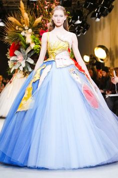 Viktor & Rolf Couture Spring Summer 2017 Collection