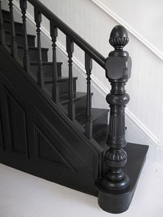 Stairs painted diy (Stairs ideas) Tags: How to Paint Stairs, Stairs painted art, painted stairs ideas, painted stairs ideas staircase makeover Stairs+painted+diy+staircase+makeover Black Stair Railing, Black Staircase, Staircase Design, Modern Staircase, Staircase With Landing, White Stairs, White Walls, Up House, House Stairs