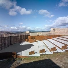 Adaptation of the Inner Ward of El Real de la Jara Castle by villegasbueno arquitectura