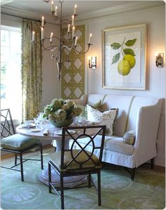 Small dining room table and chair ideas on a budget – salle a manger petites Dining Room Wall Decor, Dining Room Design, Room Decor, Room Art, Banquette Dining, Dining Nook, Settee Dining, Dining Table, Dining Corner
