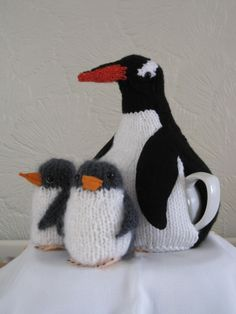 This is Gerald the Penguin and his 2 chicks. Yes, he really is a tea cosie!! Made for a zoo keeper from Edinburgh Zoo.