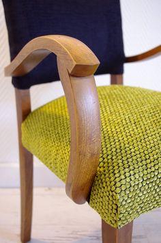 Green velvet Bridges armchairs Source by DocteurCac Patchwork Chair, Shaby Chic, Old Furniture, Velvet Sofa, Green Velvet, Queen Anne, Wood Crafts, Living Room Decor, Decoration