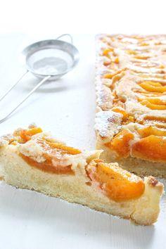 Meruňkový koláč s marcipánem – The Olive Hot Dog Buns, Hot Dogs, Bread, Food, Brot, Essen, Baking, Meals, Breads