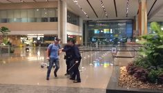 Video: Guy Attacks Police Officers At Changi Airport, Gets Six Months In Jail - One Mile at a Time https://link.crwd.fr/2bAh