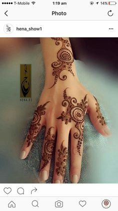 Simple, spaced out mehndi design. Perfect for wedding guests. Mehndi Designs For Girls, Modern Mehndi Designs, Mehndi Design Pictures, Beautiful Mehndi Design, Latest Mehndi Designs, Bridal Mehndi Designs, Floral Henna Designs, Arabic Henna Designs, Henna Mehndi