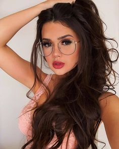 Image may contain: 1 person, closeup Girl Photo Poses, Girl Photography Poses, Girl Photos, Cute Glasses Frames, Cool Glasses, Fashion Eye Glasses, Girls With Glasses, Beautiful Long Hair, Girls Dpz