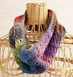 Learn how to make this beautiful, striped cowl scarf. From MOTHER EARTH NEWS magazine.