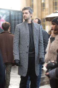 Statement Winter Coats: structured light gray coat