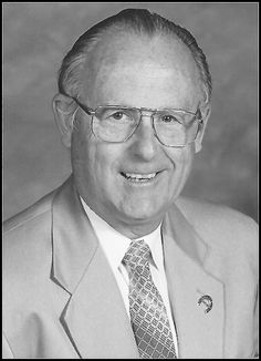 Read the Obituary and view the Guest Book, leave condolences or send flowers. |  June 17, 1930-December 15, 2016 Our father Ralph Mackey, 86 passed away December 15, 2016, with family at his side after a long illness. He was born June 17, 1930, in Everett, Washington. Dad was