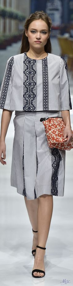 Spring 2017 Ready-to-Wear Yuki Torii International