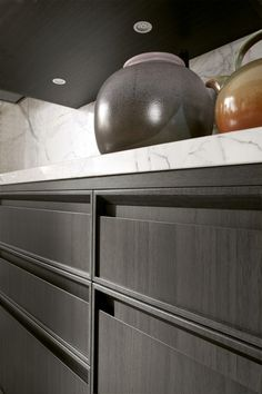 Linear kitchen with integrated handles - Timeline legno charcoal grey dettaglio maniglia
