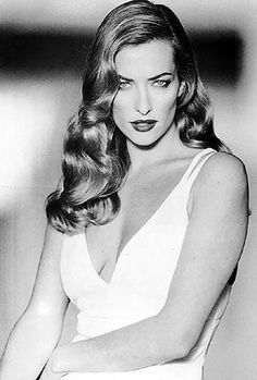 90s - Tatjana Patitz. German model. Rose to international prominence in the late 80s, early 90s, representing top fashion designers, campaigns, and collections, and who continues to model today.