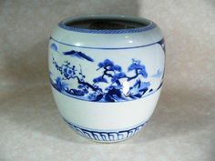 I put plants in my smaller ones! Japanese Porcelain, White Porcelain, Japanese Hibachi, Irori, Japanese China, Popular Colors, My Favorite Color, Blue And White, Pottery