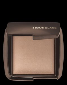 AMBIENT® LIGHTING POWDER A wardrobe of six universal finishing powders that recreate the most exquisitely flattering light—from ethereal moonlight to luminous candlelight. Each powder captures, diffuses and softens surrounding light with groundbreaking photoluminescent technology.