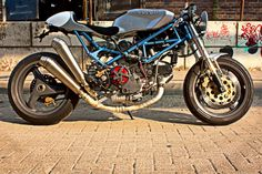 IL DUCATISTA: Ducati Monster 900 Cafe by Mario Kuster