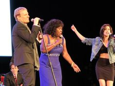 another sick pic from last night in #detroit  @JenaAsciutto1 @mbsings @MARTHAREEVESvan    #gottakeepdreamin  Pic courtesy of AspenSpin.com