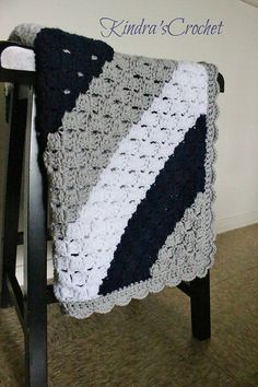 My favorite colors right here, in this awesome corner to corner crochet blanket!  This particular design is for a baby blanket but would be easy to make larger.  However, this is still pretty amazing