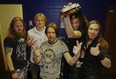 Sonata Arctica soitti 15-vuotisjuhlakiertueensa ensimmäisen keikan 29.1.2014 Helsingin The Circus -yökerhossa, ja EMP oli paikalla. Miten sujui kiertueen ja uuden basistin, Pasi Kauppisen avaus? Lue EMP-blogi: http://emp.me/8Yg