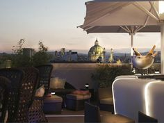 Vienna Ritz Carlton - Atmostphere Rooftop Bar and Lounge offers spectacular city views Bar Lounge, Rooftop Lounge, Rooftop Bar, Hotels And Resorts, Best Hotels, Luxury Hotels, Boutiques, Vienna State Opera, Art Through The Ages