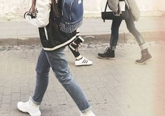 miestas pėsčiomis. | | | #spring #city #street #ootd #vsco #vscolithuania #day #thursday #canon #friends #lithuania #lighting #citywalk #urban #walk #photography #aesthetic #pale #lookbook #white #vibes #vintage
