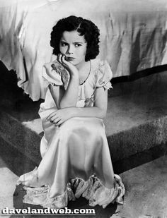 The Blue Bird 1940 - Shirley Temple Old Hollywood Movies, Vintage Hollywood, Hollywood Stars, Classic Hollywood, Child Actresses, Actors & Actresses, Temple Movie, Shirly Temple, Nostalgia