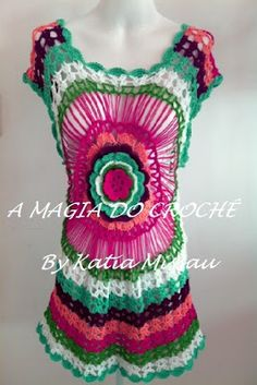 Katia Missau - A Magia do Croche: Saída de praia Caribe - A saída de praia Caribe ganhou novas cores: pink, verde folha, branco, verde pistache, bispo e goiaba. Essa peça pode ser feita mais curta, podendo ser usada como blusa.