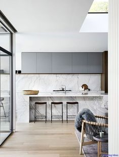 Awesome 75 Stunning Midcentury Modern Kitchen Backsplash Design Ideas https://roomaholic.com/576/75-stunning-midcentury-modern-kitchen-backsplash-design-idaeas