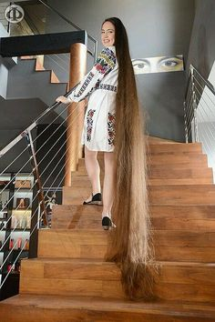 struggled to fit all her hair in one pic! Beautiful Long Hair, Gorgeous Hair, Rapunzel Hair, Really Long Hair, Silky Hair, Big Hair, Hair Lengths, Girl Hairstyles, Hair Inspiration