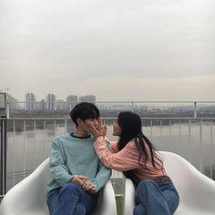 Imagem de couple, kfashion, and ulzzang Couple Goals, Cute Couples Goals, Couples In Love, Couple Aesthetic, Korean Aesthetic, Peach Aesthetic, Mode Ulzzang, Ulzzang Girl, Cute Korean