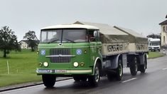 Old Wagons, Commercial Vehicle, Classic Trucks, Dieselpunk, Old Trucks, Eastern Europe, Tractors, Vehicles, Working Men