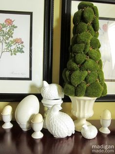Simple ideas for Easter decor. Moss, white birds and eggs...