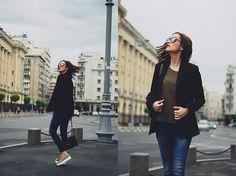 Get this look: http://lb.nu/look/8229345 More looks by Andreea Birsan: http://lb.nu/andreeabirsan Items in this look: Christian Dior So Real Sunglasses, Zara Khaki Tshirt, Mango Black Blazer, Denim International Skinny Jeans, Nude Leather Shoes, Pelledoca Black Leather Bag #casual #chic #minimal #andreeabirsan #couturezilla #spring #springlook #springoutfit #springootd