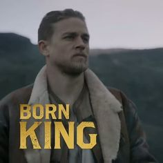 All Hail The King! NEW trailer released today!!!! Link to full trailer in @kingarthurmovie's bio #Repost @kingarthurmovie 👑❤ #CharlieHunnam #kingarthurlegendofthesword