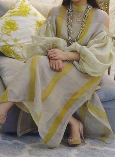 Color Block Tunic High Neckline Maxi Shift Dress - Yellow / S Pakistani Formal Dresses, Pakistani Fashion Casual, Pakistani Dress Design, Pakistani Outfits, Indian Outfits, Pakistani Bridal, Stylish Dresses, Simple Dresses, Fashion Dresses