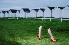 L'exposition Guy Bourdin: Image Maker à Londres Charles Jourdan, automne 1979 Guy Bourdin, Guy Aroch, Joey Lawrence, Edward Weston, Man Ray, Vogue Paris, Mannequin Legs, Charles Jourdan, Alfred Stieglitz