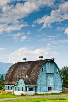 Agriculture Photograph - Blue Barn In The Stillaguamish Valley by Jeff Goulden Country Barns, Country Life, Country Living, Farm Barn, Old Farm, Barn Pictures, Barns Sheds, Peaceful Places, Architecture Details