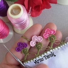 Look Bak Bitmez 81 Different Crochet Flowers Sequined Motif Beaded Lace Models Crochet Bedspread, Crochet Poncho, Bead Crochet, Diy Crochet, Crochet Earrings, Easy Knitting Patterns, Knitting For Kids, Knitting Stitches, Crochet Patterns
