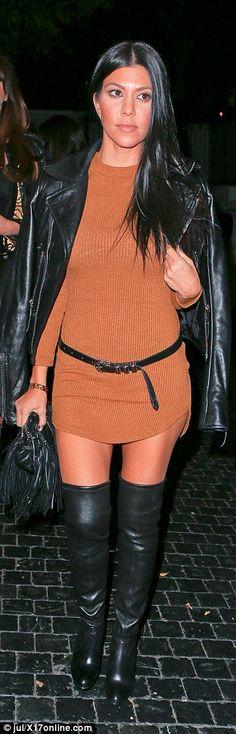 With free pictures of kourtney kardashian upskirt
