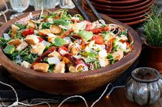 Mediterranean bread salad - fast and easy - Recipes Eat Easy Summer Meals, Fast Easy Meals, Summer Recipes, Summer Salads, Italian Pasta Recipes, Pasta Salad Italian, Mediterranean Bread, Pork Recipes, Healthy Recipes