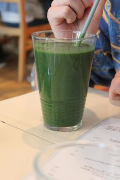 rawlicious tropical green smoothie: banana, mango, pineapple, spinach, kale