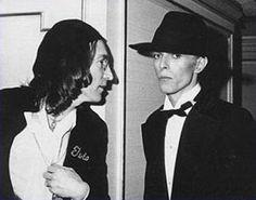 >> Había una vez hace mucho viento...: - Eres David Bowie?